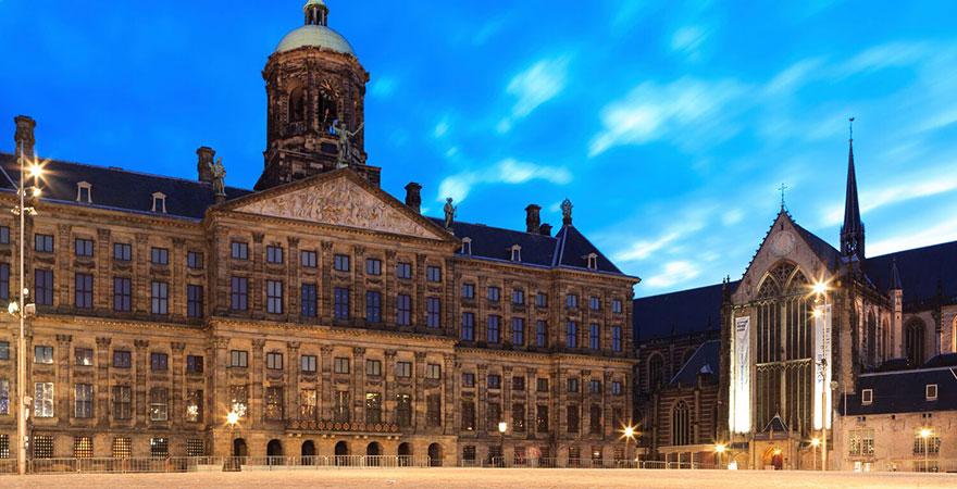 Königspalast, Paleis op de Dam