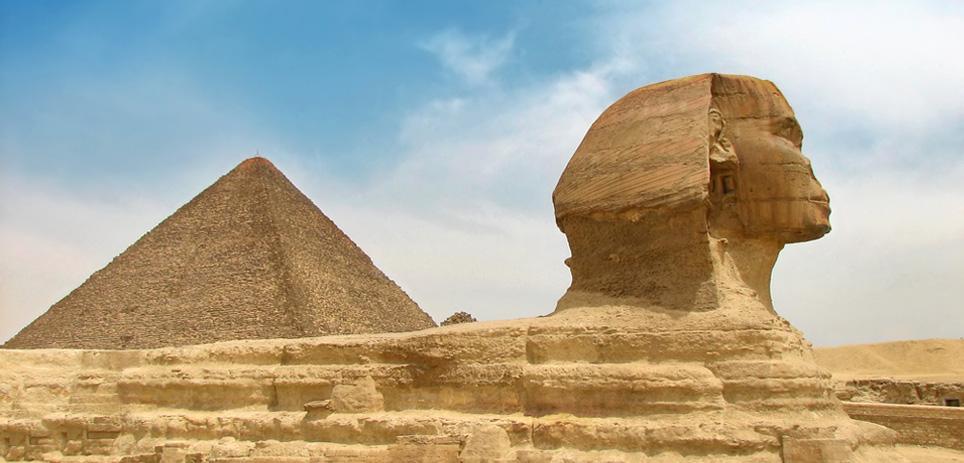 Sphinx & Pyramide in Giza - Cairo
