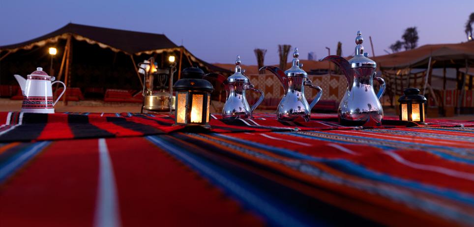 Teezeremonie in der Abenddämmerung