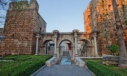 Antalya Hadrianstor