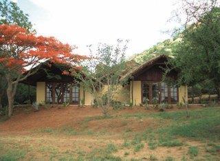 Impressionen Tsavo Ost & West & Komforthotel Plus Baobab Beach Resort