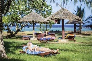 Impressionen Tsavo Ost & West & Mittelklasse-Hotel Reef Beach Hotel