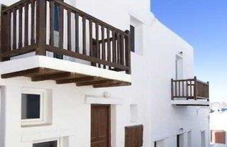 Madres Studios & Apartments