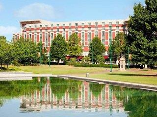 Embassy Suites Downtown at Centennial Olympic Park