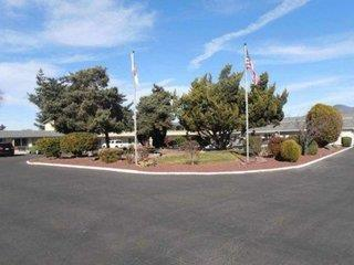 Econo Lodge Inn & Suites Central Medford