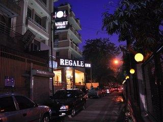 Regale Inn