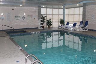 Holiday Inn Express & Suites Toronto - Mississauga