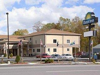Days Inn & Suites Niagara Falls Buffalo