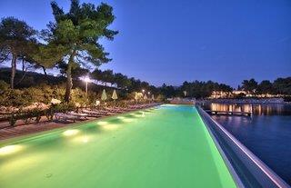 Crvena Luka Apartments & Villen