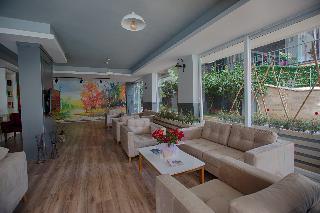 H.M.A. Hotel & Suites