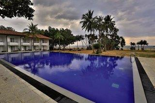 Hibiscus Beach Hotel & Villas
