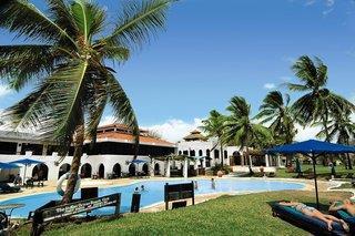 Kurzsafari Tsavo Ost & Komforthotel Jacaranda Indian Ocean Beach Resort