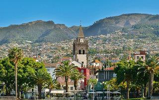 Der goldene Strand Porto Santos und die Blumeninsel Madeira