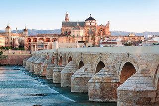Die Großen Drei: Sevilla, Córdoba & Granada ab Málaga (Economy)