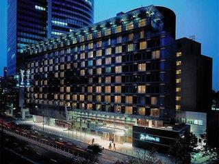 Radisson Collection Hotel Warsaw