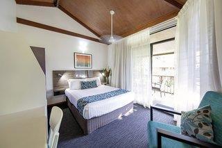 Palms City Resort