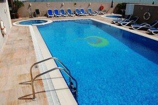 Country Club Hotel Dubai