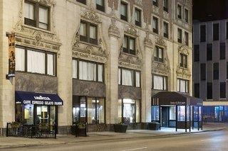 Inn of Chicago Magnificent Mile