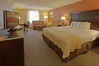 Holiday Inn Inner Harbor