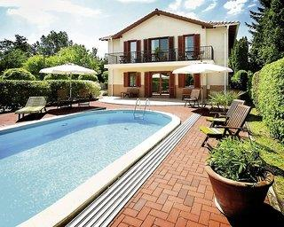 Hullam Villa