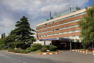 Best Western Charles de Gaulle Airport