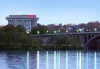 Marriott Key Bridge