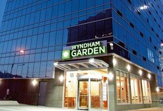 Wyndham Garden Long Island City Manhattan View